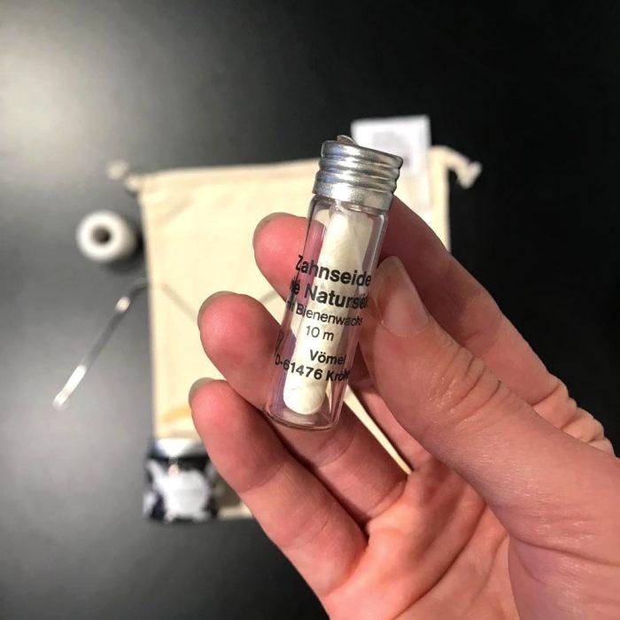 Zero Waste Kit Zahnpflege Zahnseide im Glasflakon